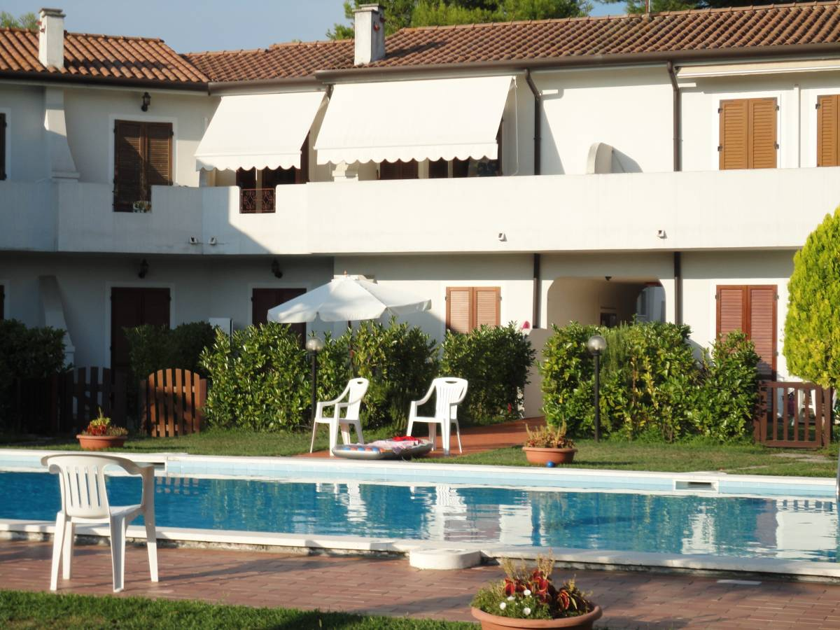 Marina immobiliare lido di jesolo ve confortevole for Case california in vendita con piscina